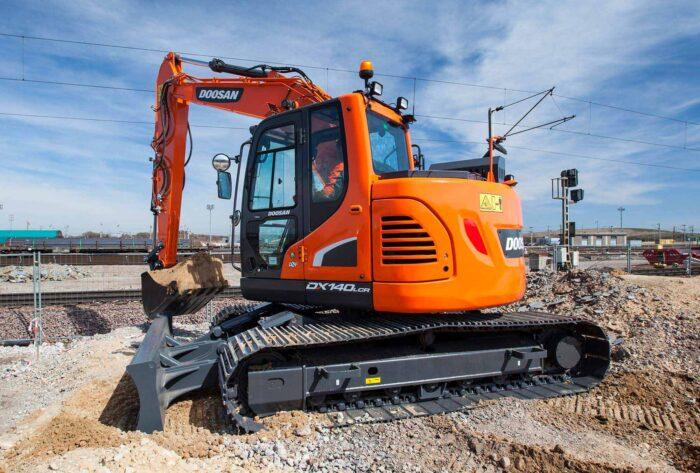 30000lb Excavator Model- DX140LCR-5