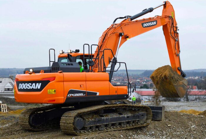48000lb Excavator Model- DX225LC-5